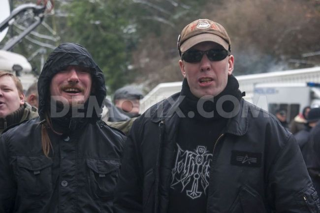 1358615927-londoners-protest-against-greek-farright-golden-dawn-party_1737172