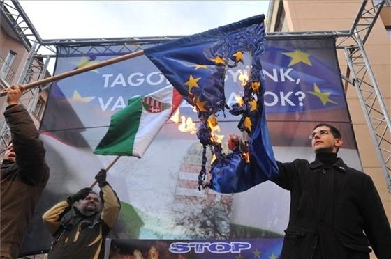 Hungría y su glorioso renacimiento Hungary_ultras_vs_eu